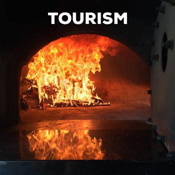 contact-tourism